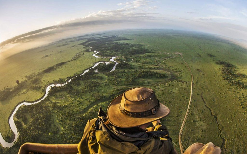 Riding a hot air balloon in the Maasai Mara National Reserve - Kenya