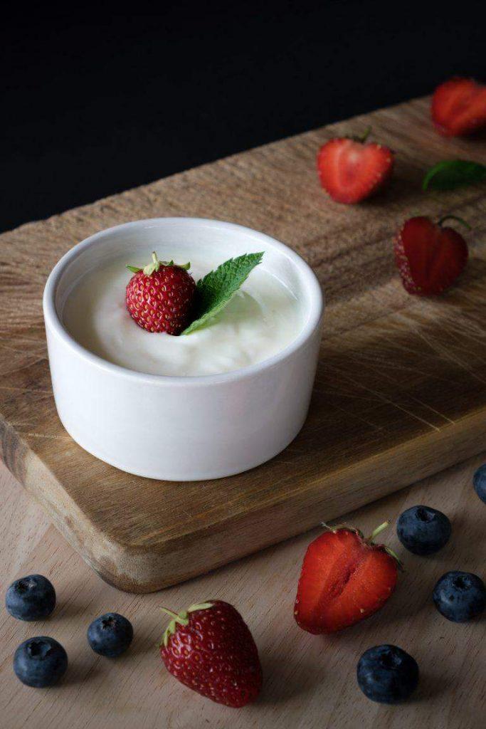 Yogurt - an effective facial treatment
