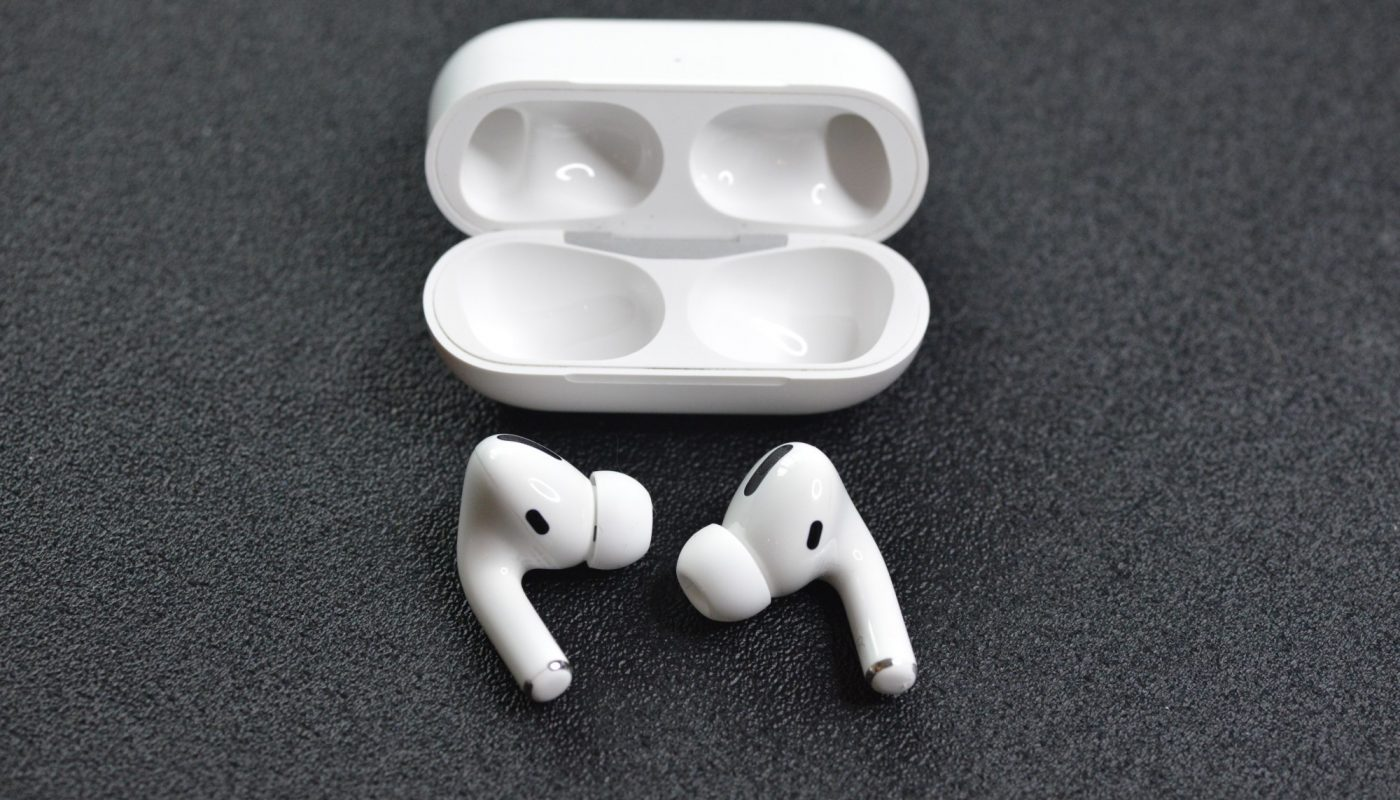 How to Clean AirPods 5 Effective Tips