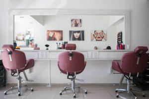 Top 3 Factors to Consider When Choosing Beauty Salons